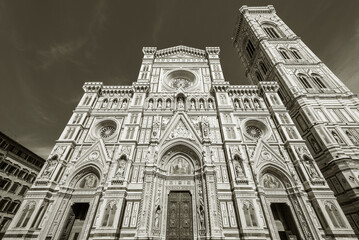 Fototapete - Facade of Cathedral Santa Maria del Fiore in Florence, Italy