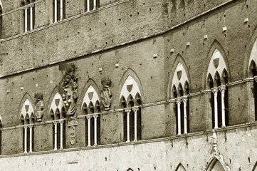 Fototapete - Exterior of Piazza del Campo in the historic center of Siena, Tuscany, Italy, Europe