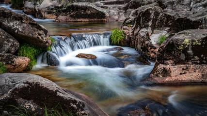 Bonita foto de la cascada del río Verdugo en Puentecaldelas (Pontevedra), Galicia