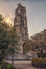 Fototapete - Saint-Jacques Tower in the evening in Paris