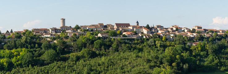 Panorama du village de Puymirol, Lot-et-Garonne, France