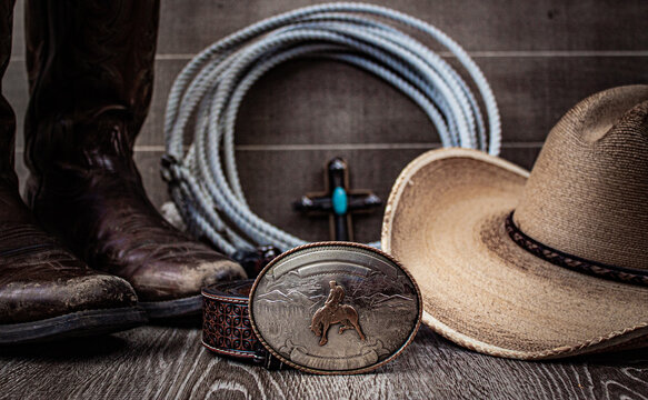 Rustic country design with a western feel and a blank belt buckle.
