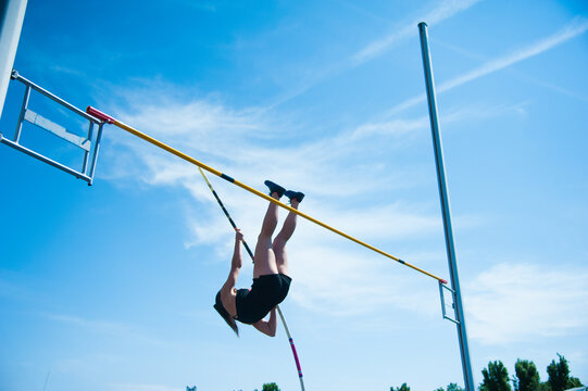 Competition pole vault jumper female