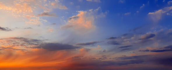 Photo sur Aluminium Lavende Colorful dramatic sky with big clouds and sunset