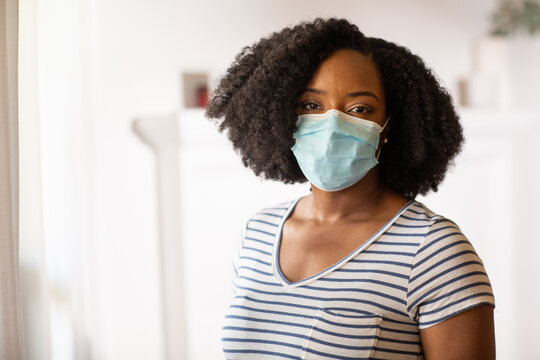 Close up view of an African American woman wearing a face mask