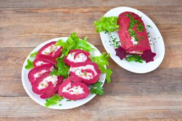 Gemüserolle mit Rote Bete und Gurke