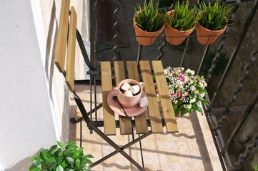 Small apartment balcony decor