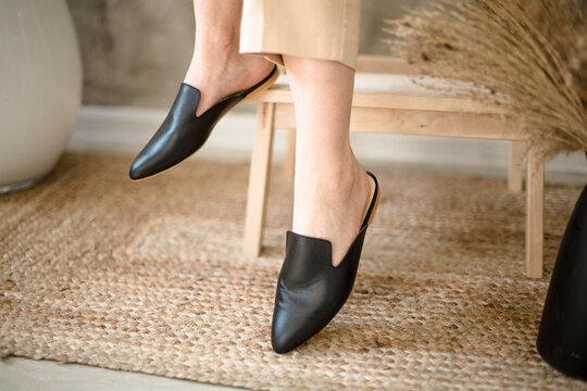 women's shoes on legs, fashionable style, beige color, mirror, instagram trends, at home or indoors, casual style