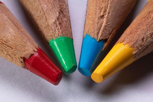 RGBY Color Pencil Rainbow Macro
