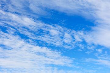 6月の梅雨に訪れた爽やかな青空【奈良天理市】