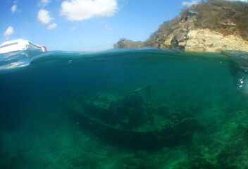 Photo sur Plexiglas Naufrage underwater ship wreck caribbean sea Curacao