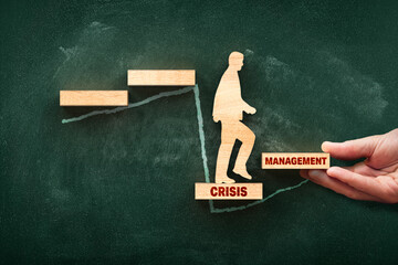 Crisis manager helps to growth after crisis