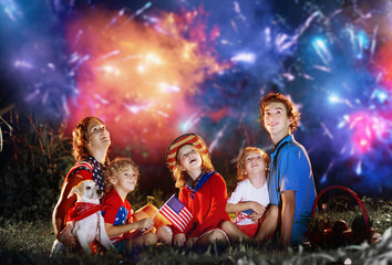 Deurstickers Wanddecoratie met eigen foto American family on Independence Day. 4th of July.