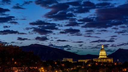 Fototapete - State of Utah capital building at night with clouds in a dark blue sky