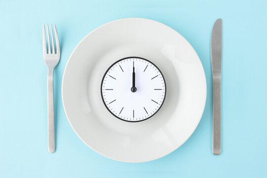 昼食時間のイメージ