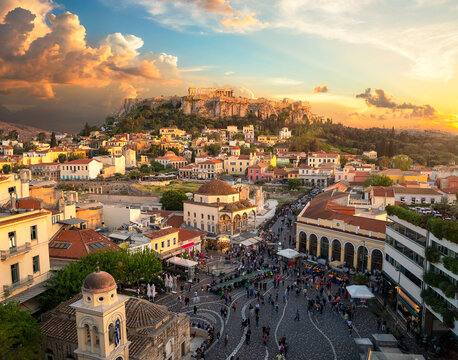 The beautiful city of athens with the akropolis above