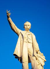 Tuinposter Historisch mon. Jose Marti Statue, Main Square, Cienfuegos, Cienfuegos Province, Cuba