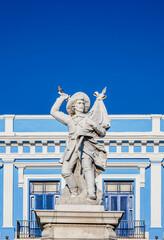 Tuinposter Historisch mon. Soldier Liberator Sculpture at La Vigia Square, Matanzas, Matanzas Province, Cuba