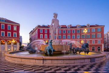 Tuinposter Historisch mon. Statue of Apollo at Place Massena, Nice, South of France,