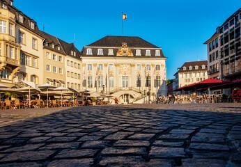 Sommerabend am Rathaus zu Bonn