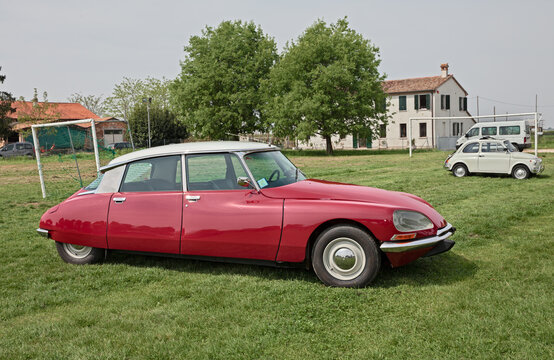 Vintage Citroen DS FD (1973) in classic car meeting 15th Auto moto raduno, on April 25, 2015 in Piangipane, RA, Italy
