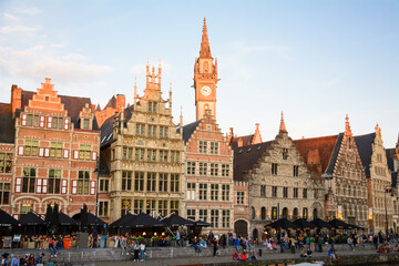 Lots of people in Ghent's city center on Friday evening