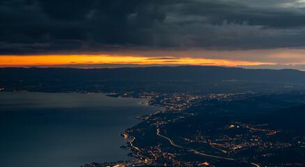 Photo sur Aluminium Noir Montreux, Vevey - Twighlight from La Dent de Jaman.