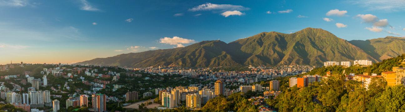 Panoramica Caracas - El Avila 11
