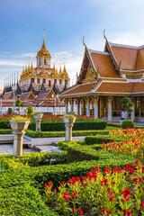 Fototapete - Wat Ratchanatdaram Temple in Bangkok