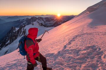 Lever de soleil depuis le Mont Blanc