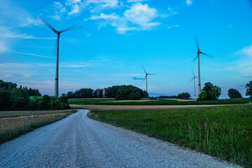 Fotoväggar - wind turbine on the road