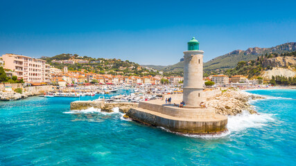 Photo sur Plexiglas Europe Méditérranéenne Panoramic view of the fishing village of Cassis near Marseille, Provence, South France, Europe, Mediterranean sea