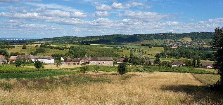 Panorama de la campagne Bourguignonne.