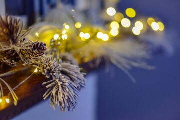 Fotomurales - Christmas Decorations And Christmas Lights On The Mantle