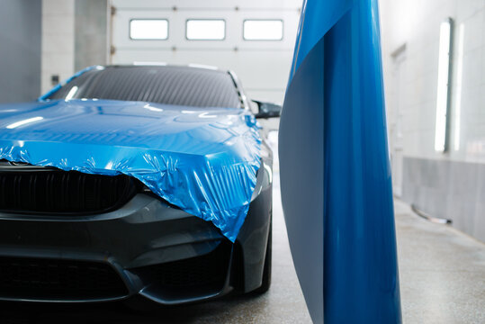 Car wrapping, protective foil or film installation