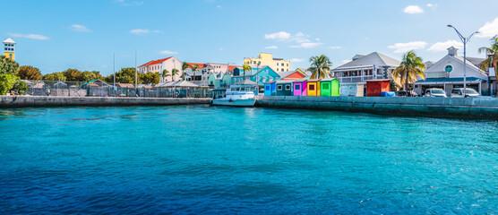 Fotomurales - Panoramic view of port of Nassau, Bahamas.