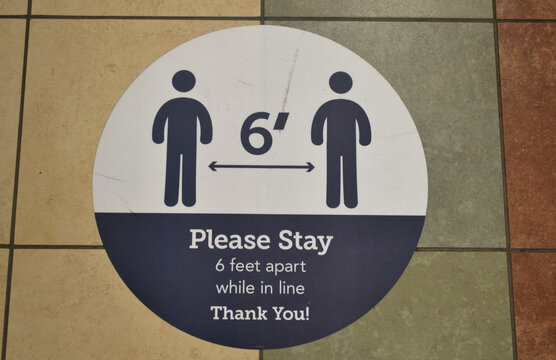 Please Stay - 6 Feet Apart While In Line - Thank You! Signage