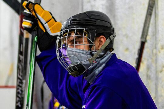 hockey player in coronavirus face mask