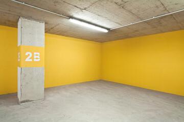 Empty Underground Parking Lot Fototapete