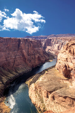 Perfect day to view the river Colorado - Horseshoe bend, Page, AZ