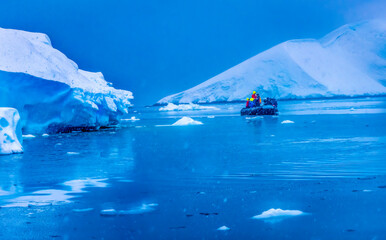 Snowing Boat Tourists Glacier Snow Mountains Paradise Bay Skintorp Cove Antarctica