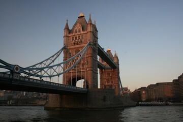 Photo sur Plexiglas Londres London Bridge at dusk London England 2007