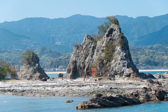 Ojaura Coast in Nachikatsuura, Wakayama, Japan. It is part of the Yoshino-Kumano National Park and Nanki Kumano Geopark.