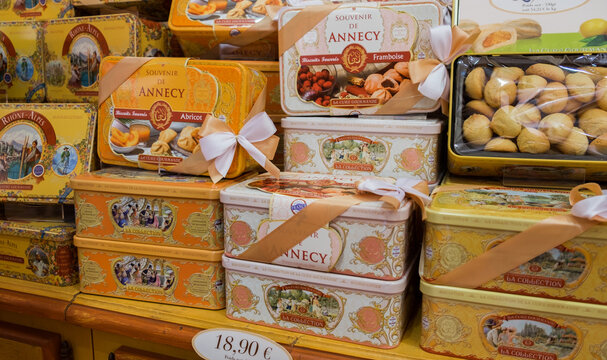 Famous Annecy souvenir -  gift box of cookies
