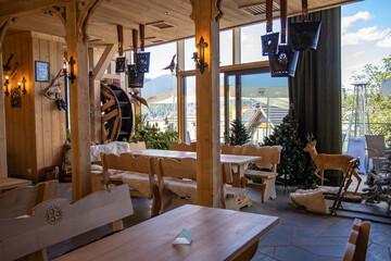 Obraz wnętrze restauracji Zakopane - fototapety do salonu