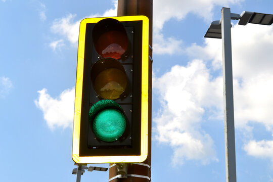 A Traffic Green Light Go