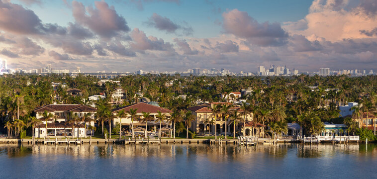 A Luxury Mansions on Miami Shipping Channel
