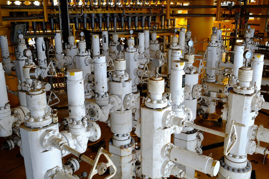 wellhead platform in oil and gas petroleum industry