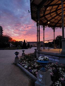 Coucher de soleil en rose jardin angers France