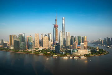 Foto op Aluminium Shanghai Aerial view of Pudong skyline with Oriental Pearl tower and Lujiazui Business district skyscraper with Huangpu river in Shanghai, China. Asian tourism, modern city life, or business finance concept